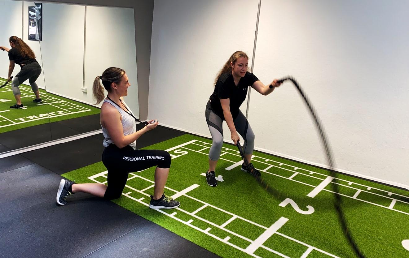Eins zu Eins Personal Training Stuttgart mit Schwungseilen (Battle Ropes) - Location: Improve-Training